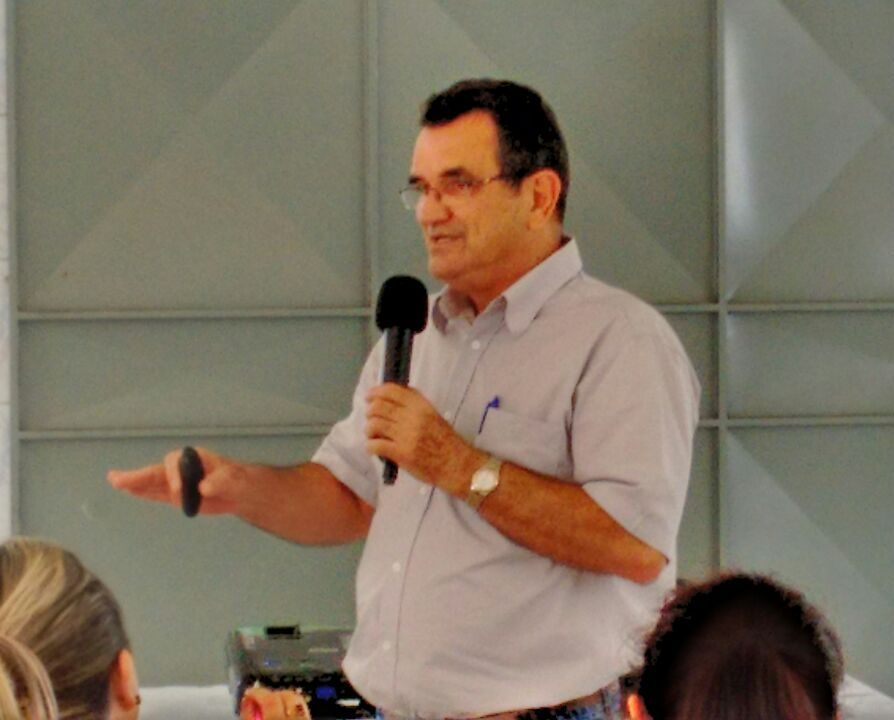Padre Ferdinando Mancilio, C.Ss.R. em encontro de formação para ministros da eucaristia em Pindamonhangaba/SP